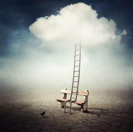 Escalera y nube